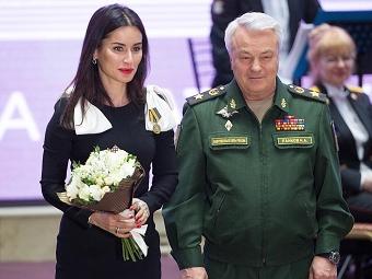 Минобороны наградило медалью Тину Канделаки