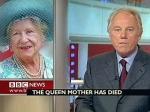 """Ведущих """"Би-би-си"""" научили правильно хоронить королеву"""