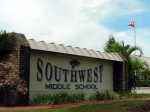 Школьника из Флориды наказали за объятия