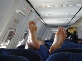 Четверть авиапассажиров считают, что сами могут справиться с дебоширами
