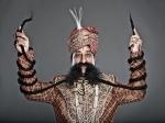 Индиец отрастил самые длинные усы в мире