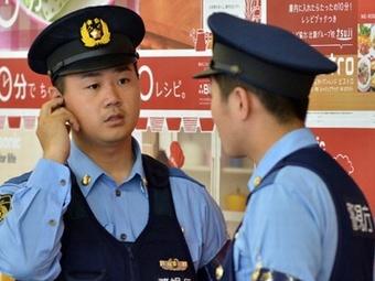 Японский полицейский заставлял подчинённых съедать по 15 гамбургеров за раз