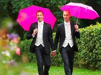 В Шотландии легализованы однополые браки