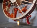 Художники показали видение жизни через колесо для хомяков