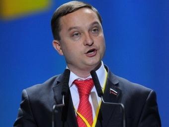 Российский депутат усмотрел элементы порнографии на сторублевой банкноте