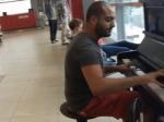 Пианист из Ливана получил огромное количество просмотров на YouTube