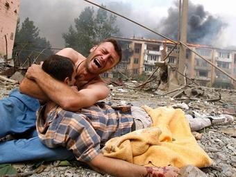 Международные правозащитники обвинили в военных преступлениях обе стороны украинского конфликта