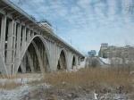 Вцентре Волгограда под мостом нашли тело 20-летнего студента