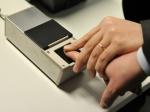Отпечатки пальцев омичей для загранпаспорта непопадут ниводну базу данных— УФМС