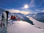 Поменьшей мере четыре человека погибли из-за схода лавины вШвейцарии