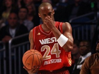 Коби Брайант сломал нос в Матче звезд НБА