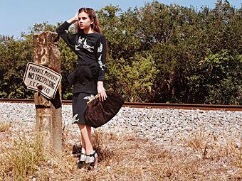 Рекламу одного из брендов Prada с 14-летней актрисой запретили