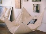 Le Beanock объединил достоинства кресла-мешка и гамака