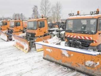 ВМоскве водитель внедорожника погиб после ДТП сснегоуборочной машиной