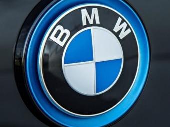 BMW разрабатывает модель сгибридной силовой установкой