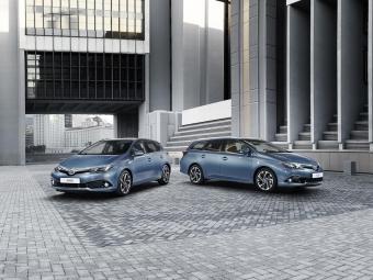 Toyota показала обновленный Auris 2015