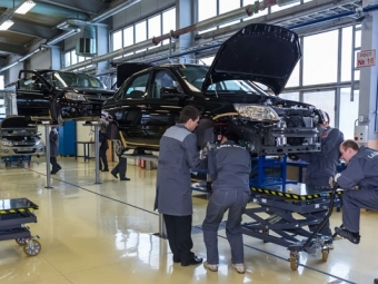 Эксперты: Падение продаж легковых автомобилей нароссийском рынке недостигло своего дна
