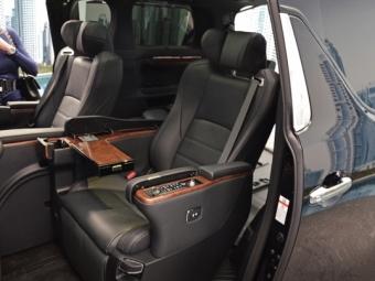 Москва: Состоялась презентация освеженного минивэна Toyota Alphard