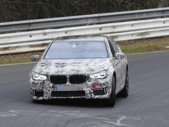 Опубликованы первые фотографии спортивной версии новой BMW 7-Series