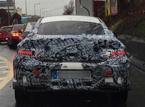 Mercedes-Benz вывел натесты купе C-Class