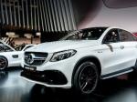 Самый новый Кросс-купе Мерседес-Бенс GLC Coupe замечен натрассе Европы