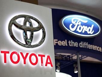 Форд и Тойота спорят за звание автомобиля года