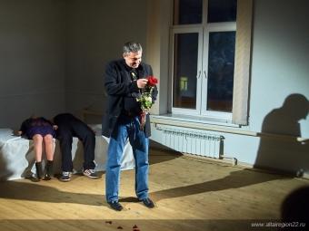 Детский спектакль «Мылепили колобок» обалтайских продуктах поставят вМолодежном театре Алтая
