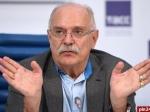 Михалков иКончаловский сменили название своей сети фастфуда на«Едим как дома»