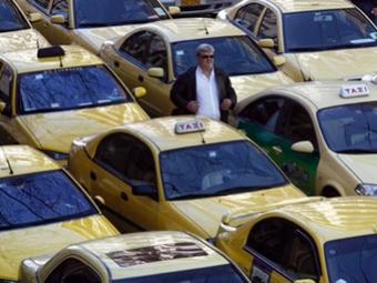 Таксисты решили парализовать Грецию