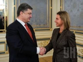 Порошенко: Успех мирных переговоров вбольшой степени зависит отмеждународной позиции