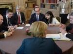 Меркель иОлланд проведут переговоры сПорошенко довстречи сПутиным