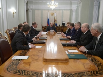 Путин обсудил сСовбезом реализацию минских соглашений
