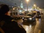 ТВЦ показал запись скамеры, установленной близ места убийства Немцова