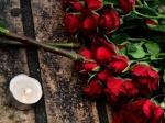 Послы ряда странЕС прибыли кместу убийства Немцова для возложения цветов