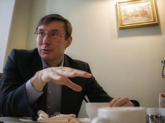 Яценюк: Гонтарева должна сама решить относительно отставки, хотя это невернет доверие кНБУ