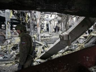 «ДНР» заявляет об«отводе вооружения», хотя обстрелы изнего продолжаются