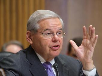 Американского сенатора заподозрили вкоррупции