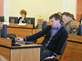 Депутаты предлагают сократить две ставки вмуниципалитете