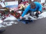 Илья Яшин: Трусливые мрази разгромили мемориал Немцова намосту уКремля