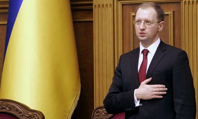 Его неотстранят из-за обвинений вкоррупции— Яценюк уверен