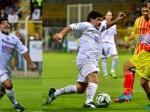 Диего Марадона в«Матче мира» ударил ногой стюарда