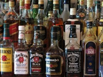 Алкоголь может перекочевать изобычных магазинов вспециальные— Минздрав