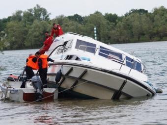 Внутри затонувшего судна остаются живые пассажиры— Трагедия вКитайской народной республике