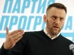 ВНовосибирске Алексея Навального забросали яйцами