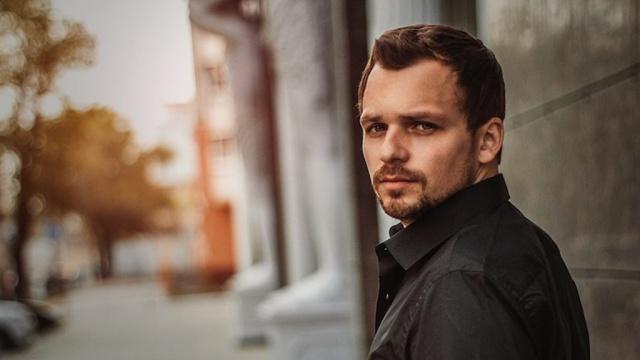 Известный актер Алексей Янин пришел всебя после комы