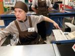 ВПетербурге покупатель супермаркета наКоллонтай ударил ножом мужчину