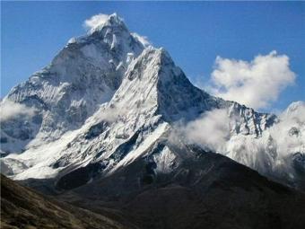 Эверест сдвинулся на3см из-за землетрясения вНепале