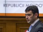 Правительство Молдавии ушло вотставку после скандала сдипломом премьера