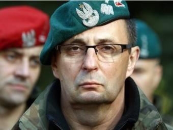 Коморовский определил главнокомандующего вслучае войны