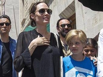 Анджелина Джоли посетила лагерь беженцев «вэпицентре мирового кризиса»